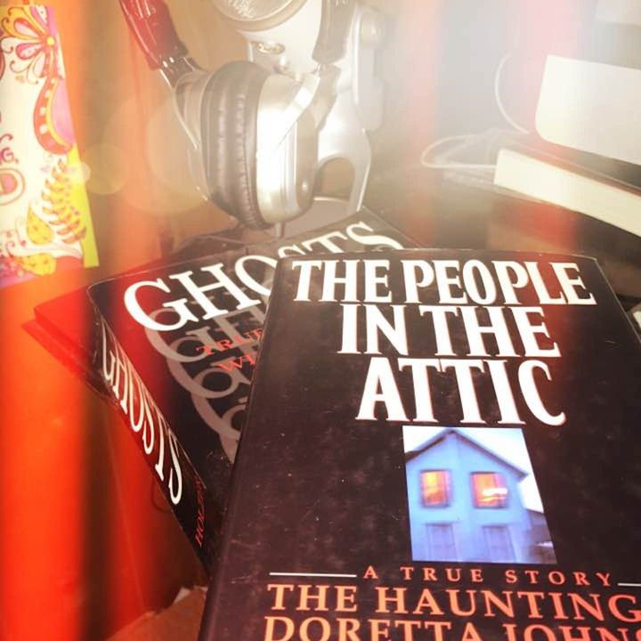 Ghoulies and Ghosties and Long-Legged Beasties... :3