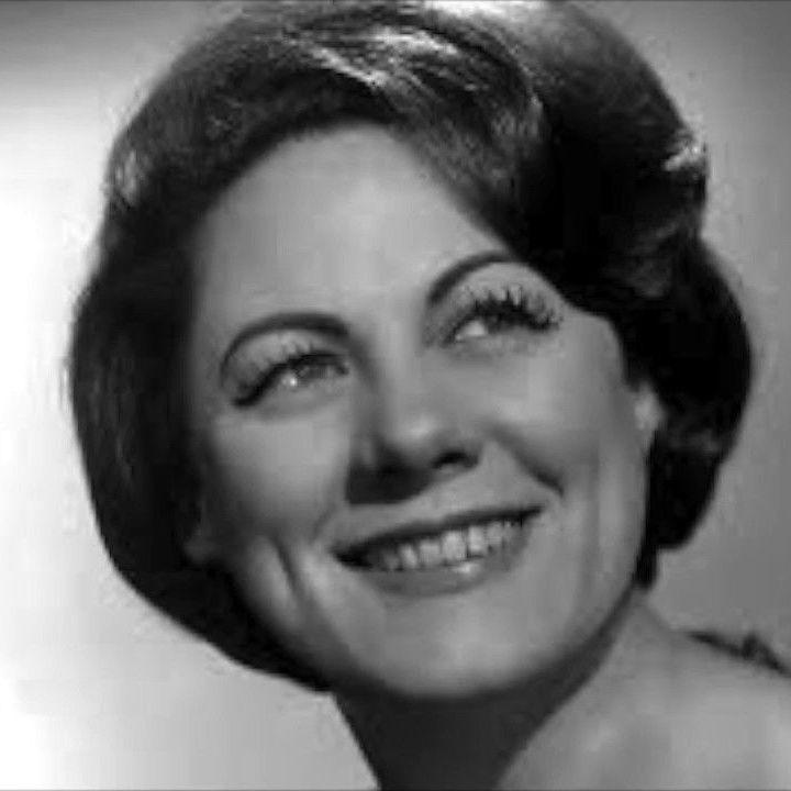 Tutto nel Mondo è Burla  - stasera all'opera - ESTATE - Renata Tebaldi recital Milano 23 maggio 1976