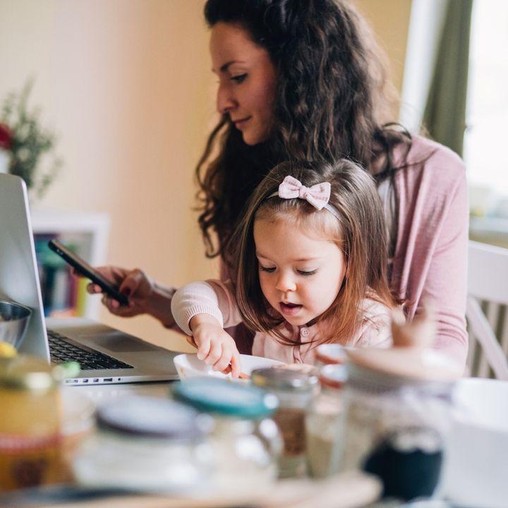 NFON - Smart working e bambini: come tenerli insieme senza diventare matti?