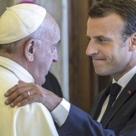 La battaglia per le messe nella Francia di Macron e negli Usa del dopo Trump