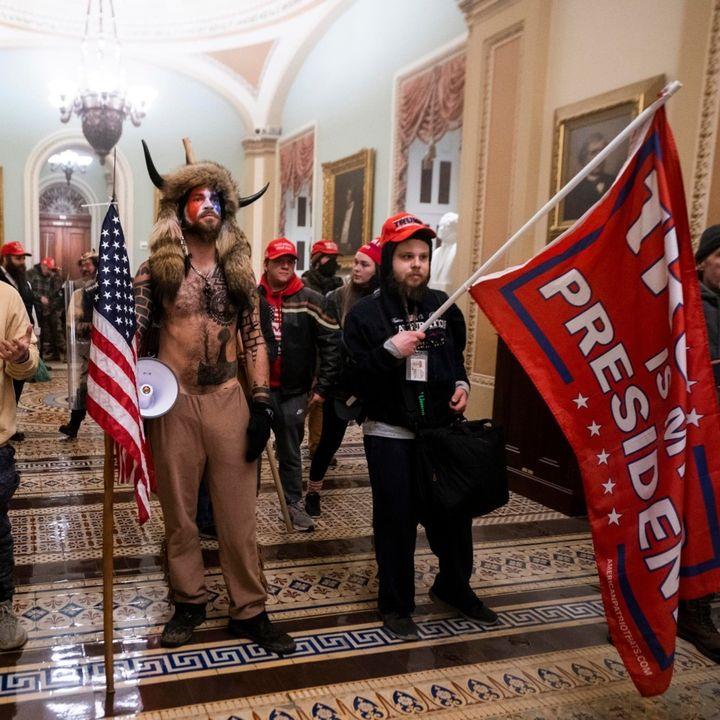 Tutte le bufale sull'assalto al Congresso americano