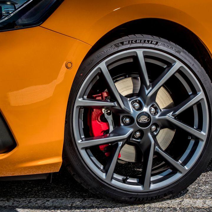 Fabelagtigt velkørende men langt fra perfekt ny Ford Focus ST – med Ebbe Sommerlund fra 'High On Cars'