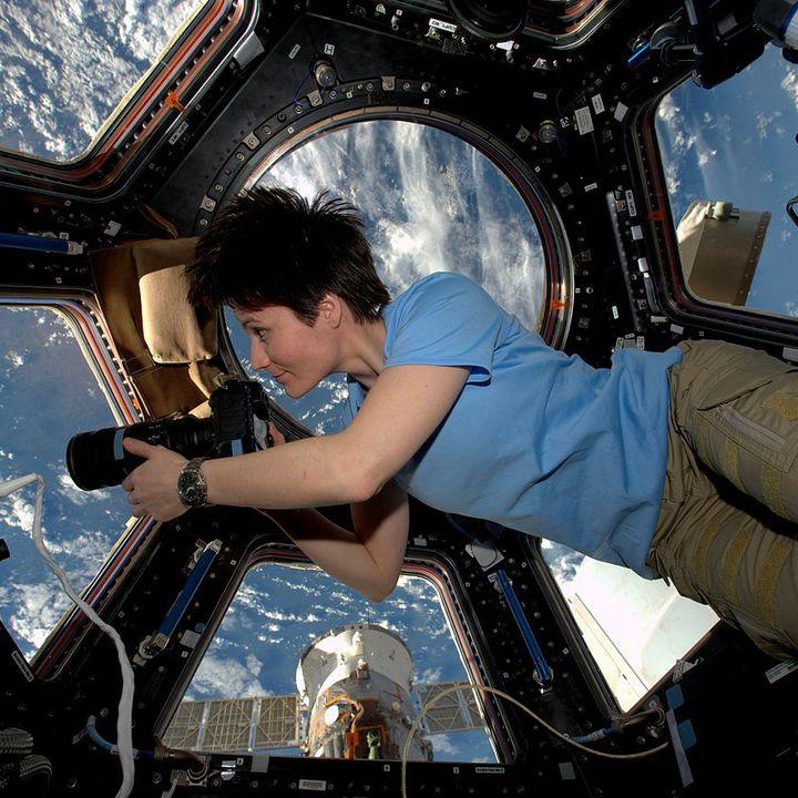 04. Samantha Cristoforetti dice addio all'aeronautica