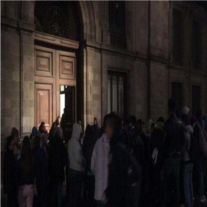 Protestan maestros de Chiapas en Palacio Nacional