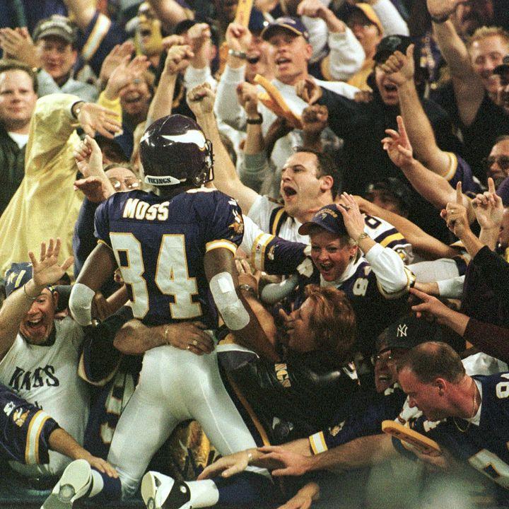 Purple People Eaters: Minnesota Vikings 1998 Rewind! Moss's Monday Night Mayhem & Thanksgiving Devour in Dallas!