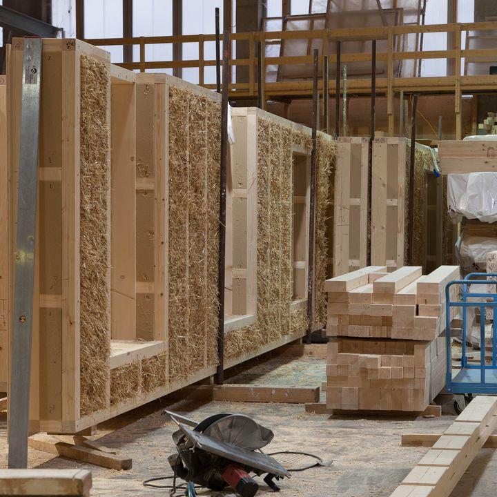 28-La prefabbricazione industriale nelle costruzioni in paglia