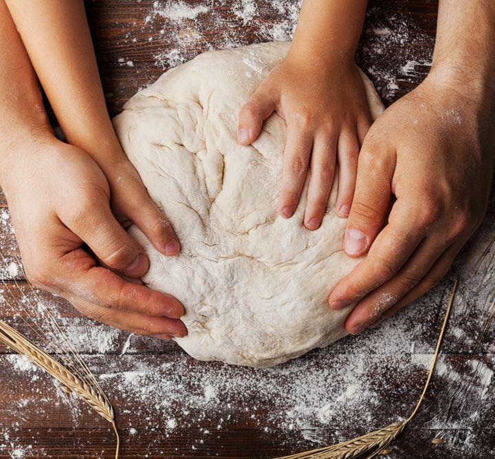Cucinare insieme ai bambini: l'importanza pedagogica