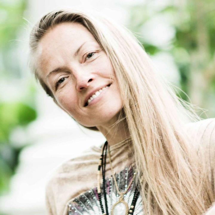 #38 Træning og bevægelse i graviditeten - med jordemoder Louise Dissing
