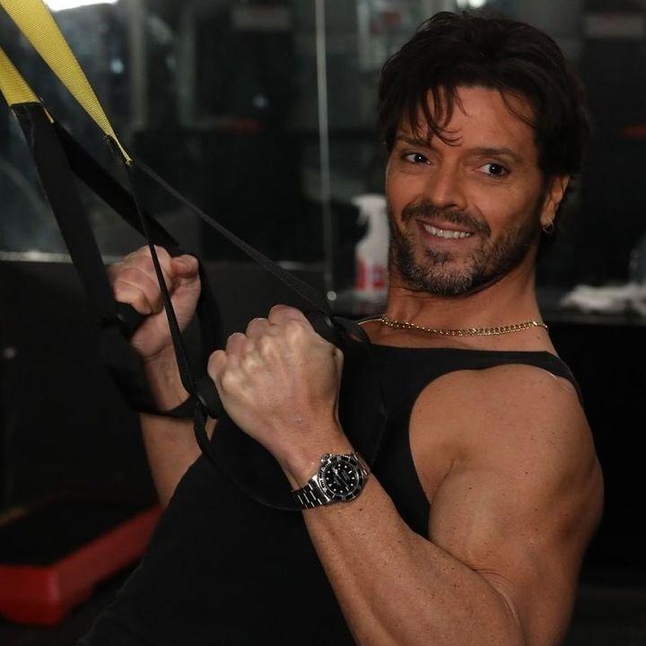 Alessandro Gubbini il personal trainer dei VIP su Radio Arancia 04 04 2021 consigli utili per il rimanere in salute