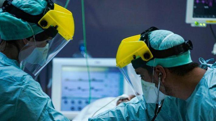 Coronavirus, sono 38 milioni i casi nel mondo. In Europa chiusure in Spagna ed Irlanda del Nord