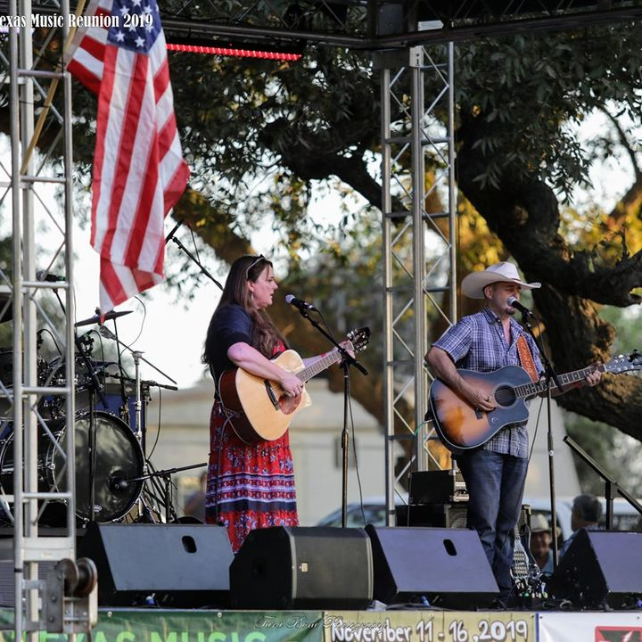 Rhonda McCullough - Interview with Rhonda McCullough of Proud Country at the 2nd annual Glenn Saunders Texas Family Reunion. Oct 3rd, 2019