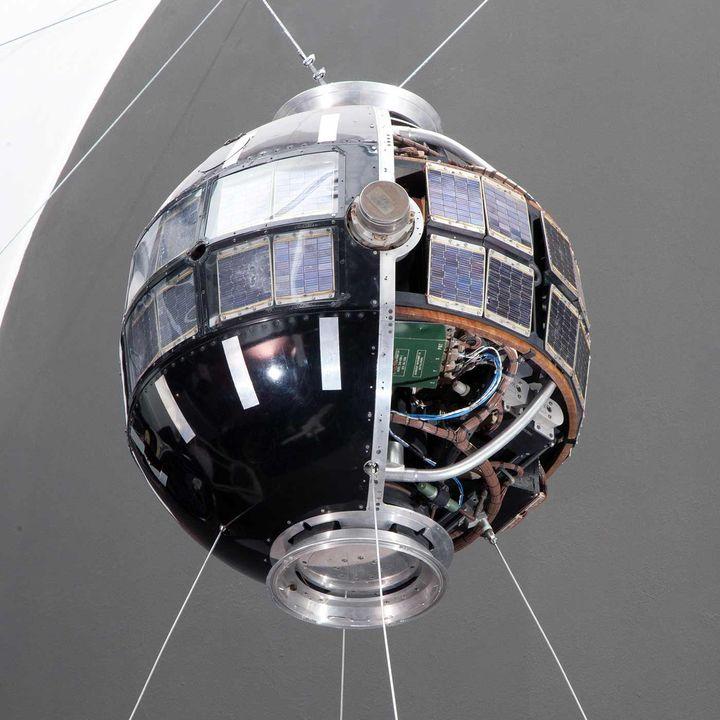 Satelliti: il perpetuo equilibrio tra gravità e forza centrifuga
