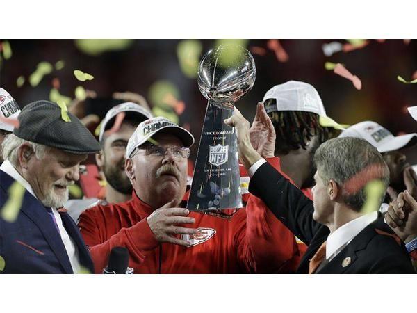 KC Chiefs win in Superbowl over SF 49ers! Lamar Jackson MVP! Kyrie hurt again?!