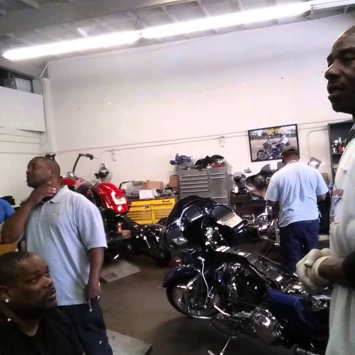 tonight we talk to one of the Baddest Bike Builders On the West Coast