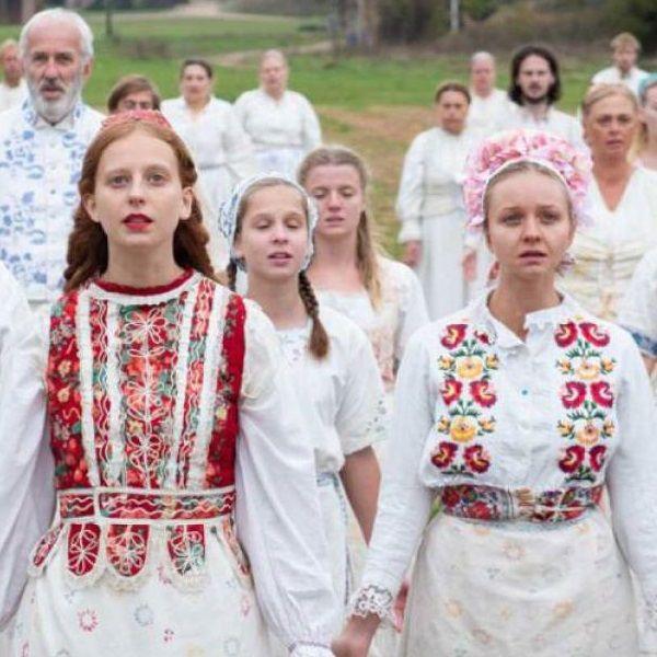 FILM GARANTITI: Midsommar - Il film horror che spiega perché l'occidente sta tornando al paganesimo