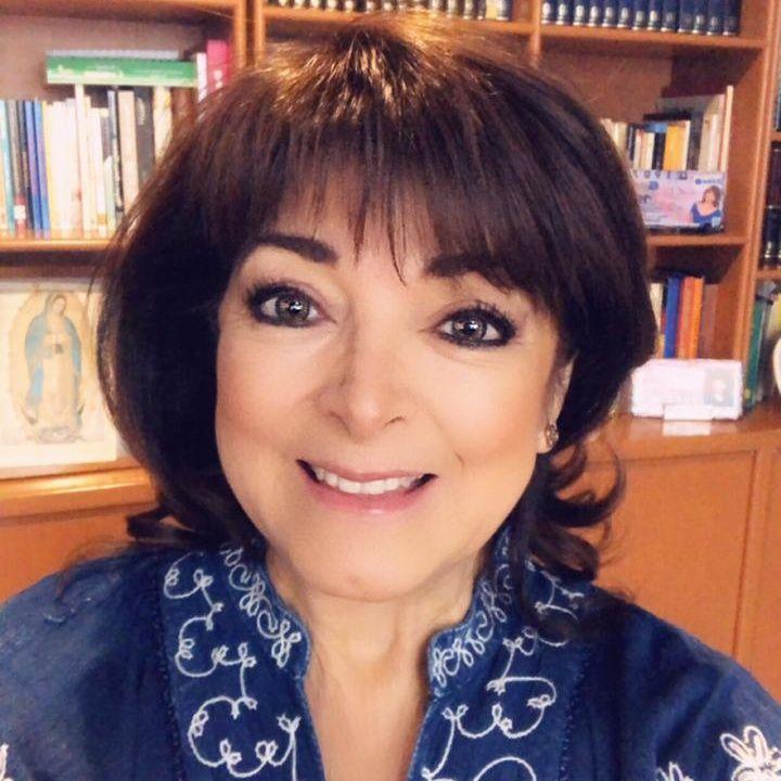 """La reconocida escritora Elsa Punset presentó su nuevo libro: """"Fuertes, libres y nómadas""""."""