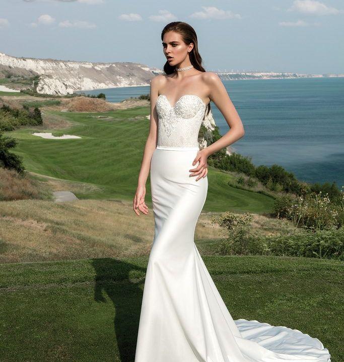 Wedding Dresses Evanston | https://dantelabridalcouture.com