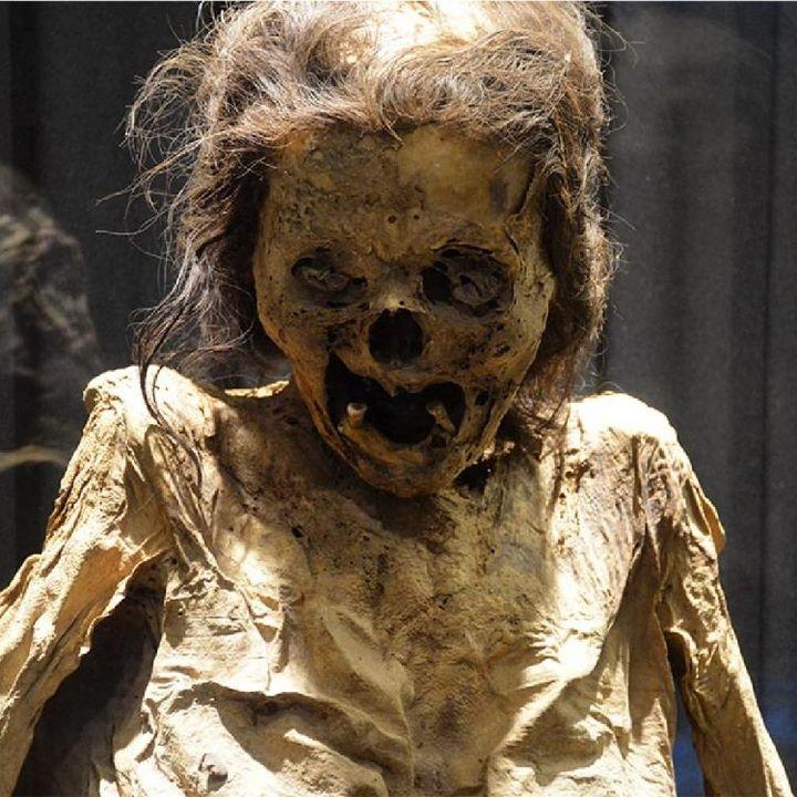 77.2. Las momias del cementerio de Santa Paula