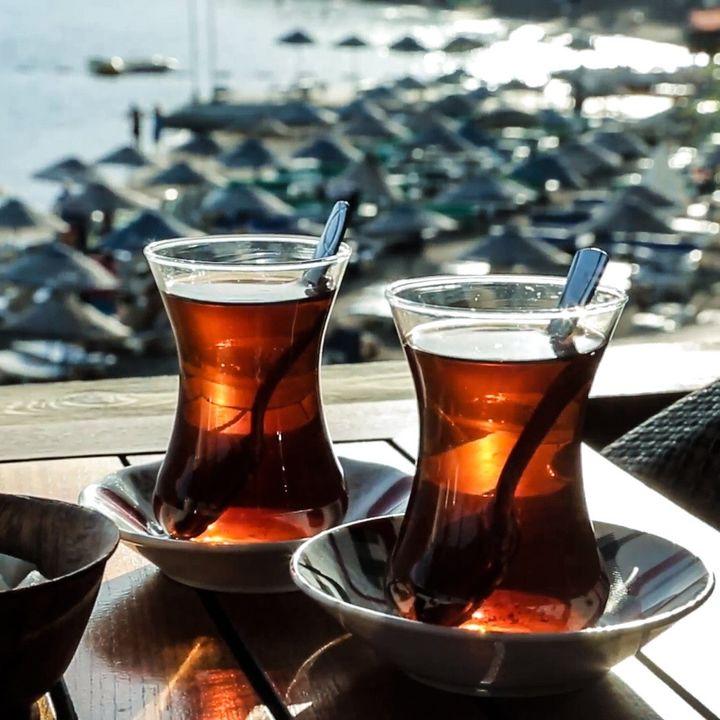 Çay, brevissima introduzione al tè turco e marocchino