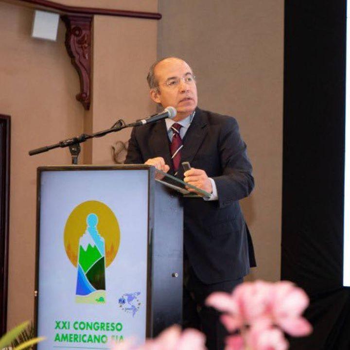 Felipe Calderón responde a AMLO