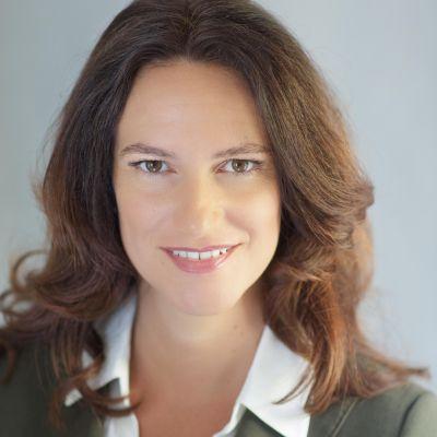 Lisa Wentz – Public Speaking Coach on Building Public Speaking Confidence