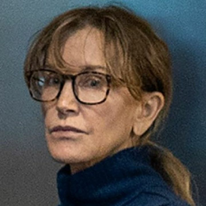 """Actress Felicity Huffman Requests To Be Sent 2 One Of America's Cushiest Prisons Without Bars Dubbed """"Chateau Dublin""""😒"""
