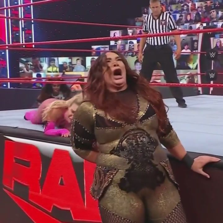 Episode 216 - A HOLE Lotta Wrestling