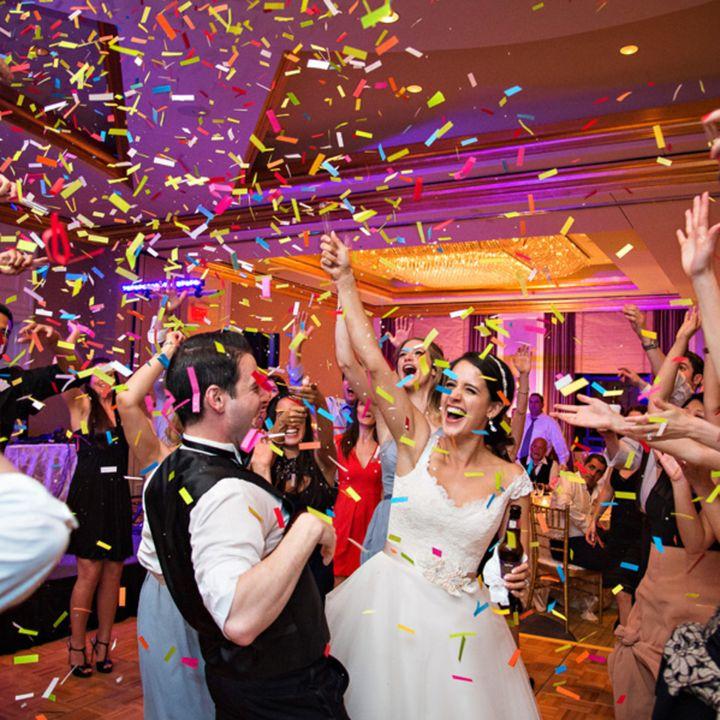 DJs near me in Dallas, Houston, Austin & San Antonio Texas for wedding service or reception partys