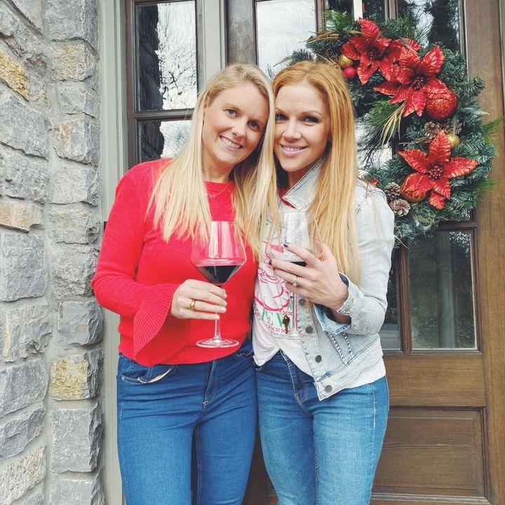 Nashville singers Elizabeth Lyons and Corri English team up Feelin Like Christmas!