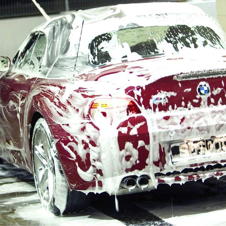Dung dịch nước rửa xe không chạm