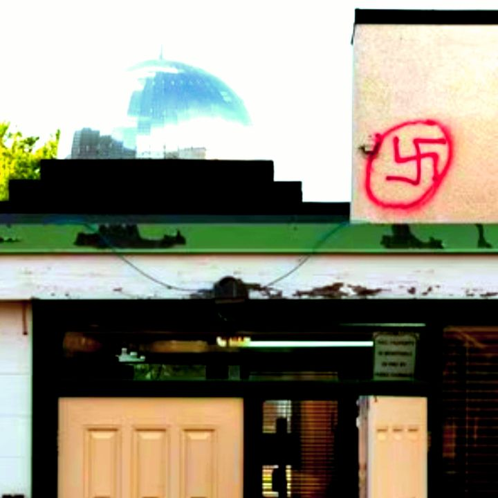 Americanuck Radio - Edmonton Swastika Shenanigans&Putin vs. Biden
