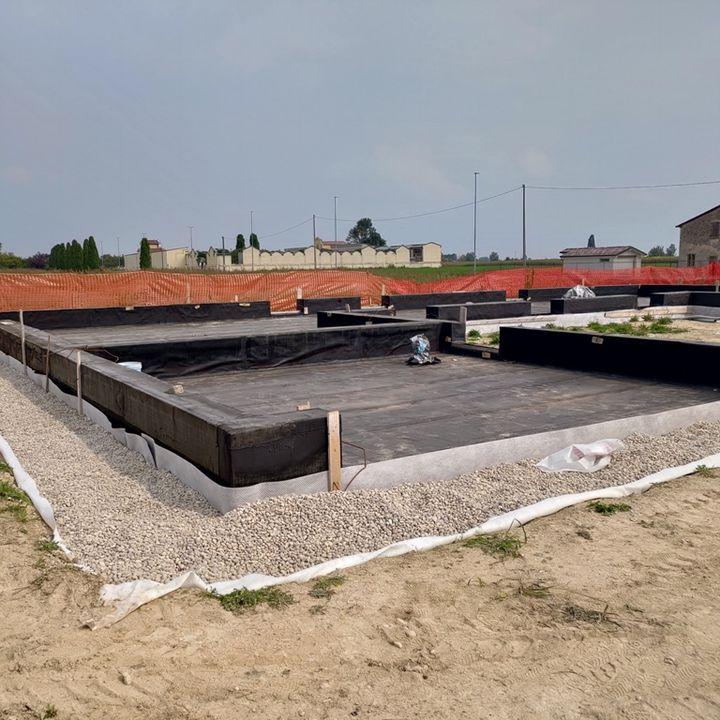 15-La fondazione in cemento armato non è rigida in caso di sisma?