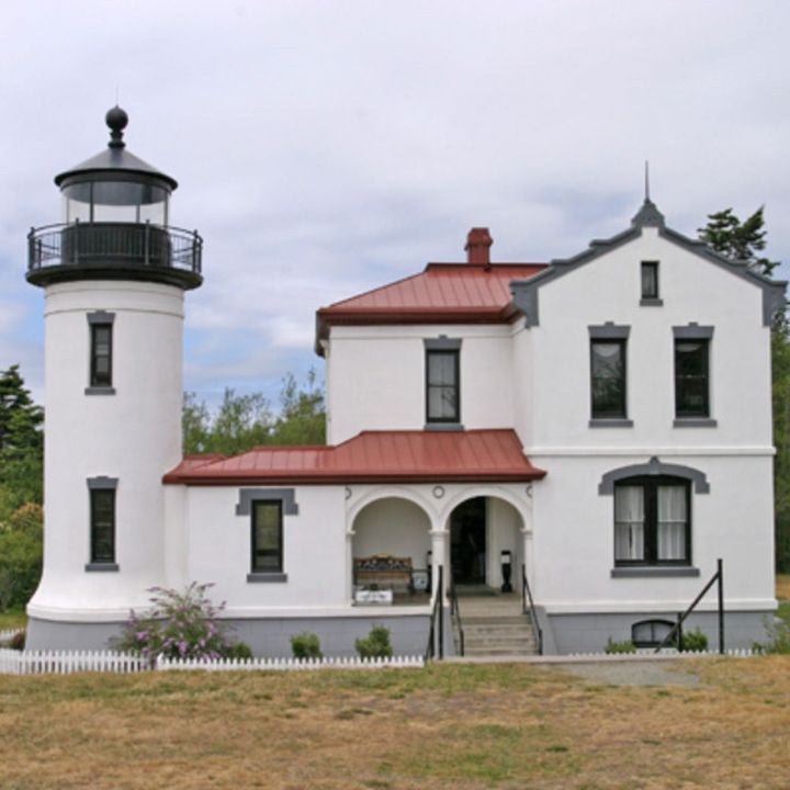 60 Seconds: What Is Your Unique Client Lighthouse Signal?