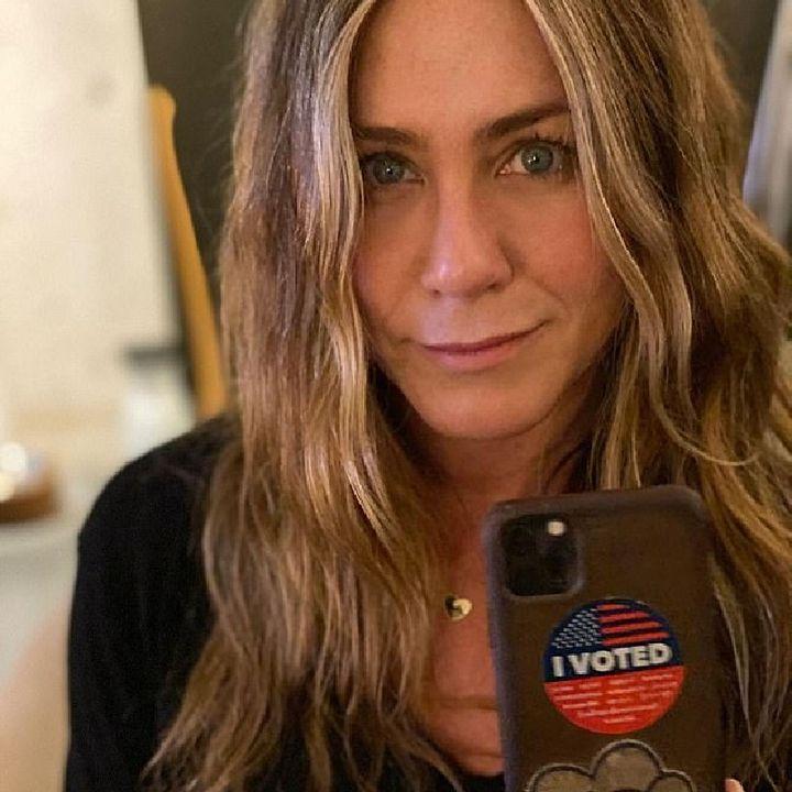 Jennifer Aniston Shows Her Inner Karen Telling The World Not 2 Vote 4 Kanye West. Let's Discuss!🖕😒🖕🌋