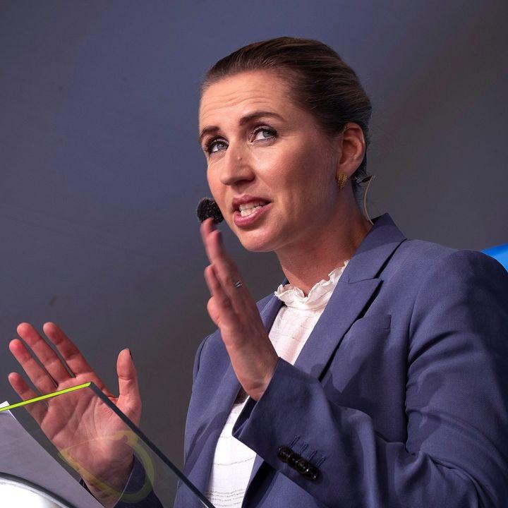 Manipulerer Mette Frederiksen, når hun sender live med influencere?
