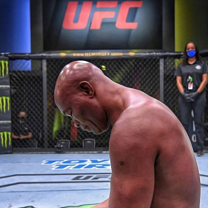 Anderson Silva  -  Amarga Despedida del Campeón / Vegas 12