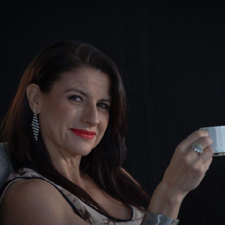 Episodio 16 - Tu actitud es tu felicidad. AUTHÉNTICA por DianaOrCoach.