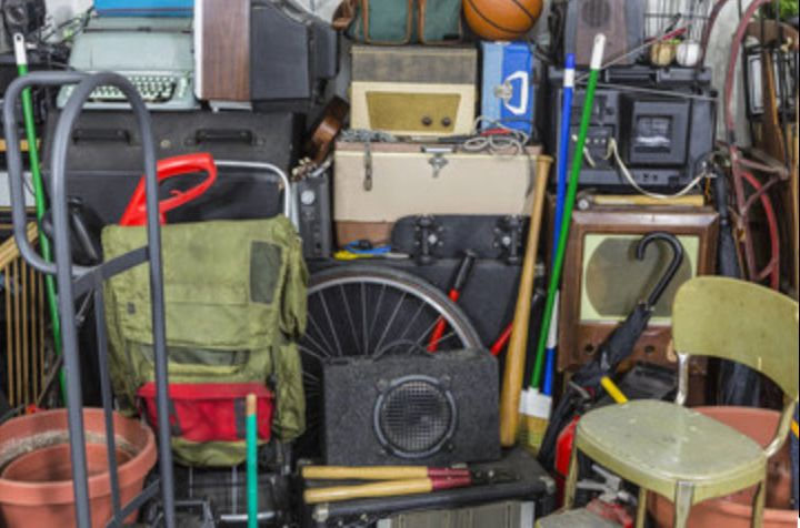 🎤 PODCAST • Clutter ~ Why do I permit myself to surround myself with clutter?