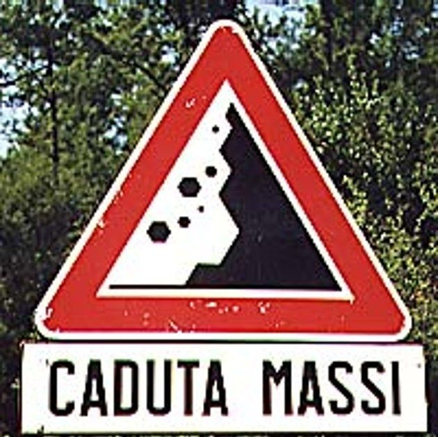 CADUTA MASSI - #JESUISFORMICA