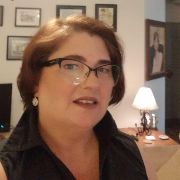 Hollywood Loves Hungary - Diane Dobry on Big Blend Radio