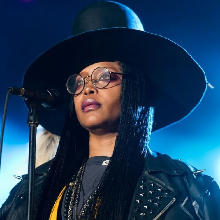 Erykah Badu Sells Her Essense, For The Smell Of It.
