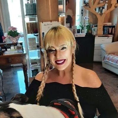Giovanna e il suo saluto per Radio Arancia da Bolognola (MC) sotto la neve venite a visitare il Maceratese Marchigiano 13 02 2021