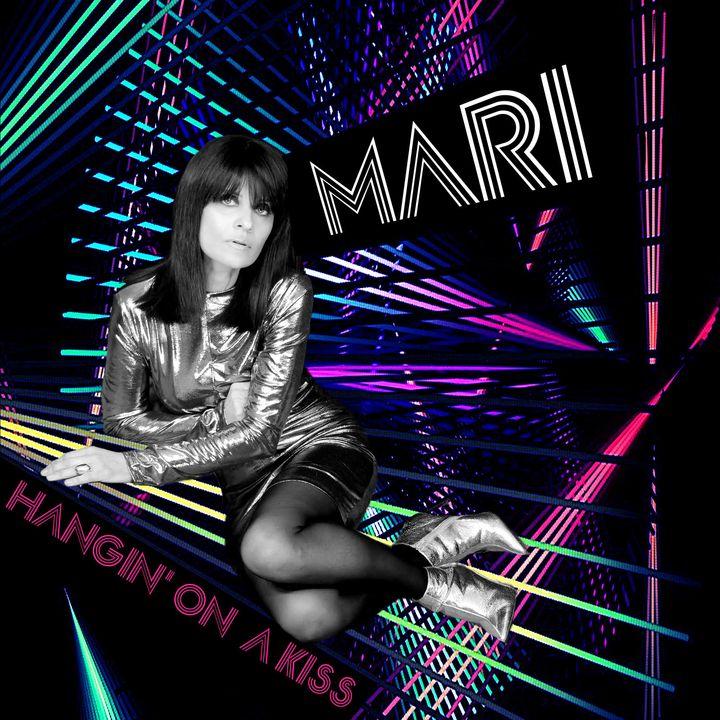 """PROMO ARTISTS -  Mari Conti presenta il nuovo singolo """"Hanging on a kiss"""""""