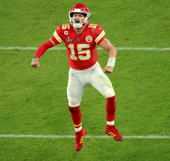 Chiefs Rally to Beat 49ers in Super Bowl LIV