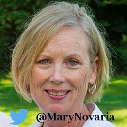 People on Twitter by Billy Dees Interview with @MaryNovaria Writer and Blogger