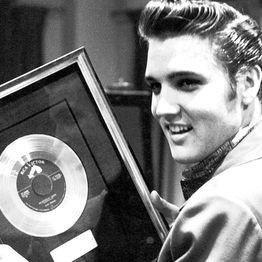 Classicos do Rock Podcast #0797 #ElvisPresley #ElvisWeek2019CDRPOD #GnFnR #Nirvana #FooFighters #avengers #thor #hulk #thanos #ironman #twd
