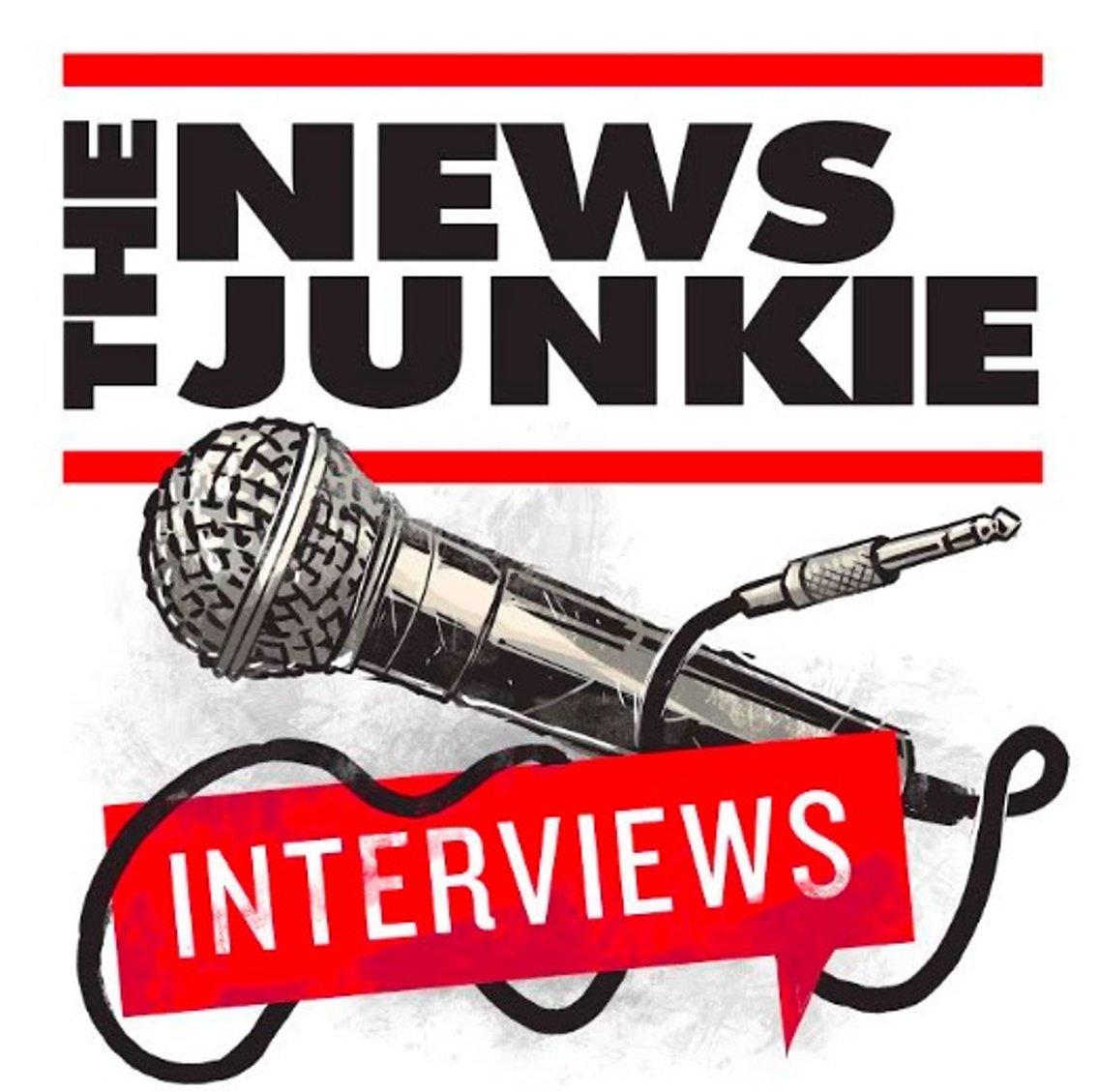 The News Junkie: Interviews - immagine di copertina