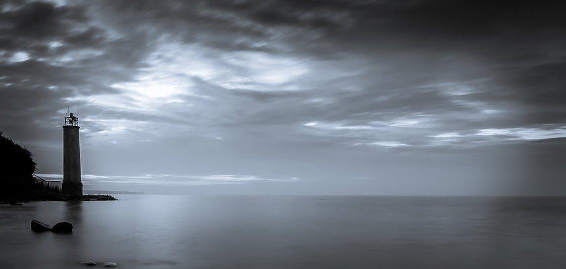 Los faros del fin del mundo - Cover Image