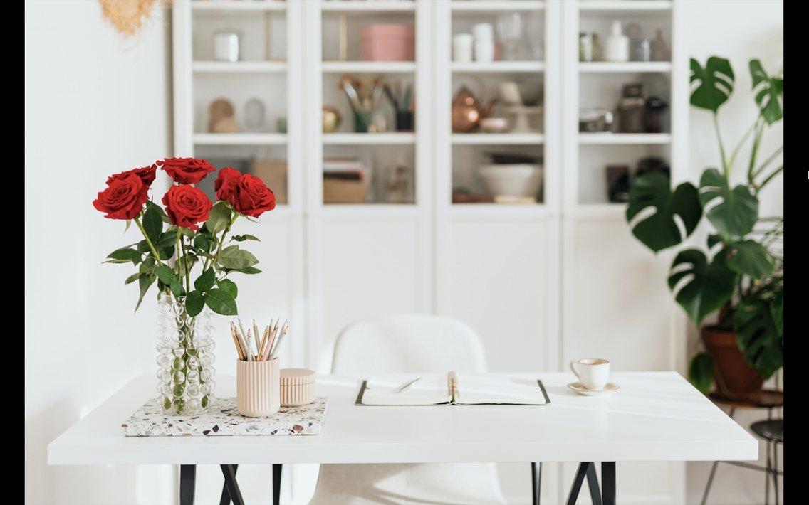 The Lounge - Business Talk 4 Women - immagine di copertina