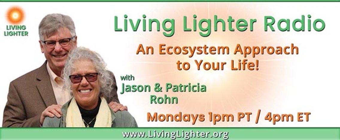 Living Lighter Radio - imagen de portada